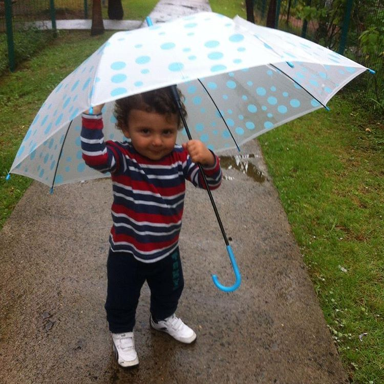 Danar na chuva quando a chuva vem Aproveitando o sbadohellip