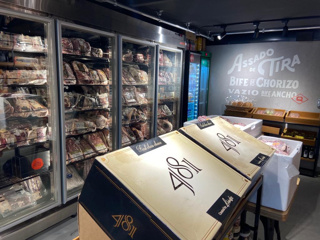 Loja com grande variedade de cortes de 13 diferentes frigoríficos